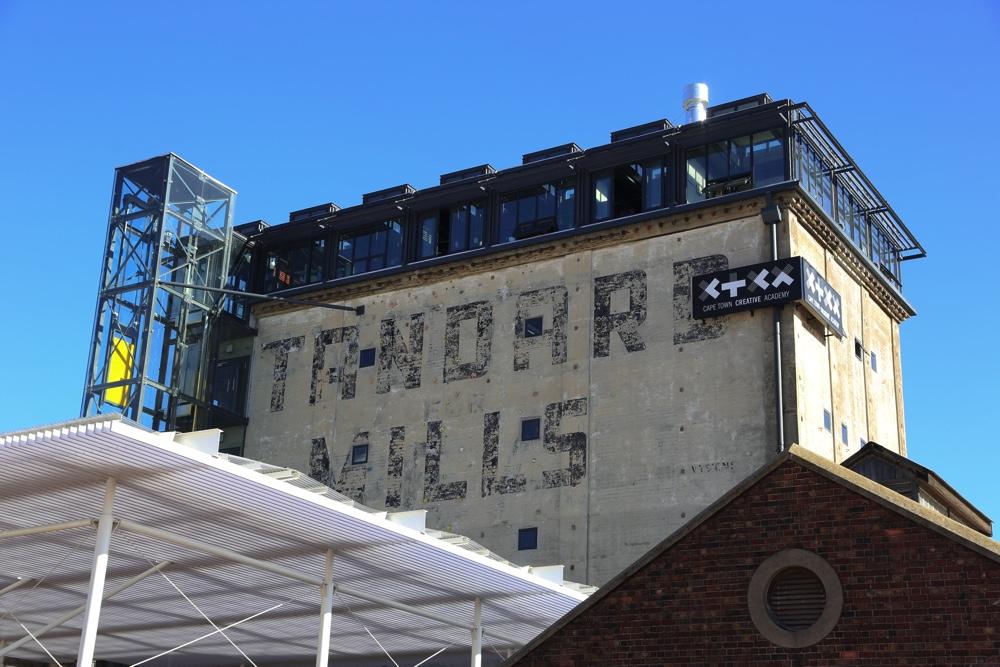 the-silo-exterior-02