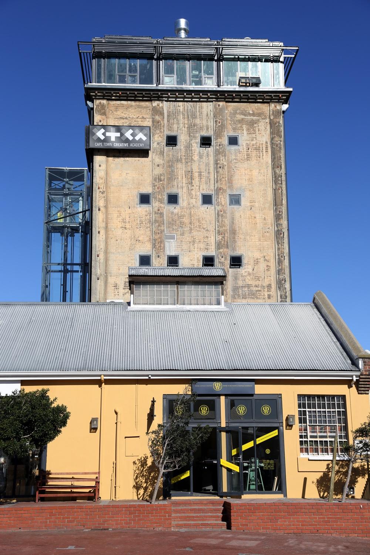the-silo-exterior-04